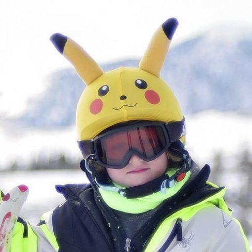Evercover pokemon_sisakhuzat kislányon a pályán