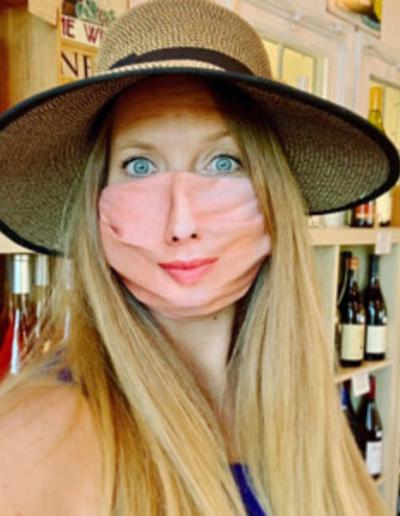 fehér női arcmaszk vásárlói fotó